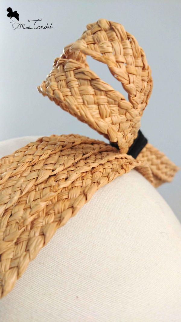 Fascia in paglia con fiocco, dettaglio fiocco