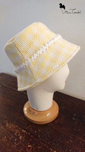 Cappello a secchiello in tweed giallo, lato