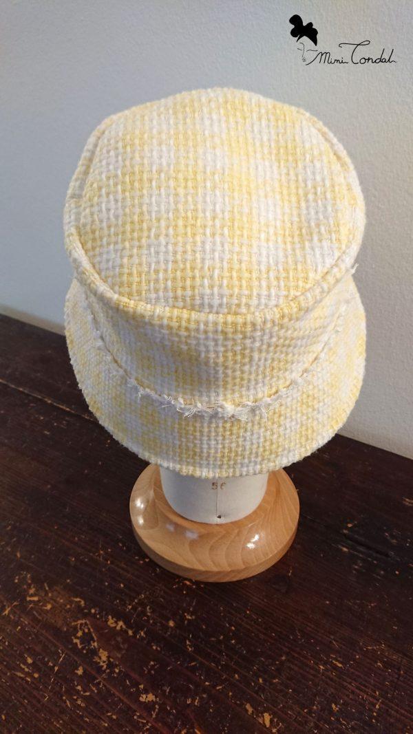 Cappello a secchiello in tweed giallo, retro