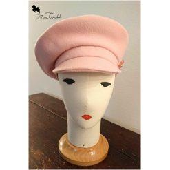 Basco rosa con visiera, fronte
