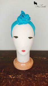 Fascia azzurra con perline, fronte