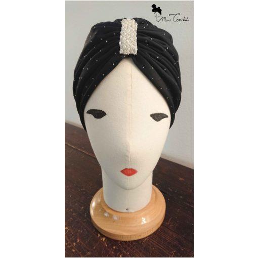 Turbante nero con perle, fronte