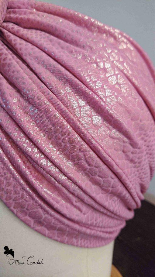 Turbante rosa pitonato, dettaglio tessuto
